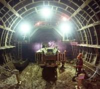 Монтаж рельсов начали в тоннеле между станциями метро «Рассказовка» и «Новопеределкино»