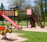 Пять детских площадок построят в дачных поселках ТиНАО