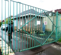 В ТиНАО выявлен факт ограничения доступ на территорию общего пользования