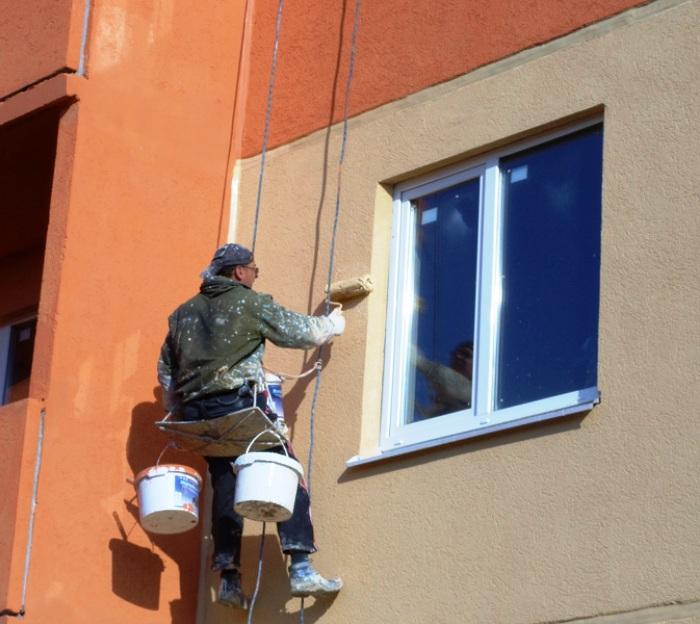 Фасады зданий около строящейся в ТиНАО дороги Воскресенское-Каракашево-Щербинка отремонтируют