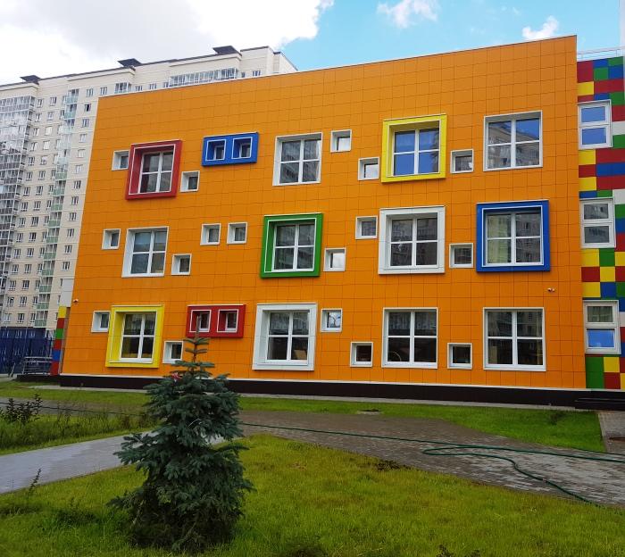 В деревне Ликова готовятся к открытию детский сад и школа