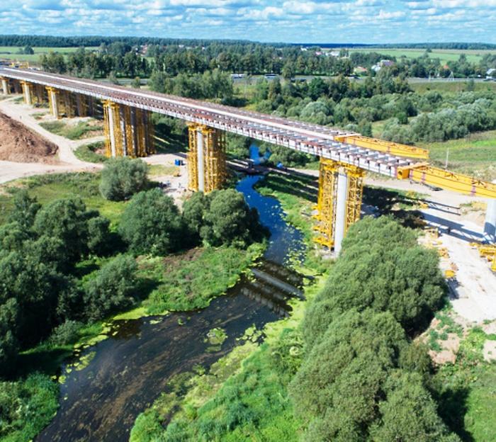 На участке ЦКАД в ТиНАО завершается надвижка пролетных строений моста