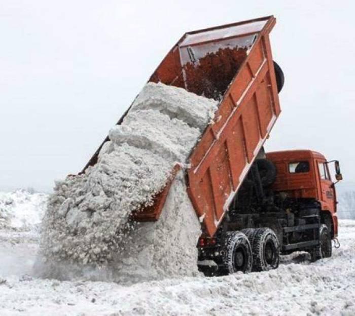 Почти 9 тысяч кубических метров снега вывезли из ТиНАО с начала зимы