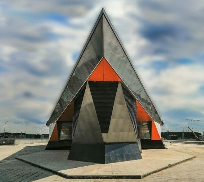 Завершается благоустройство территории вокруг входных павильонов станции метро «Ольховая»