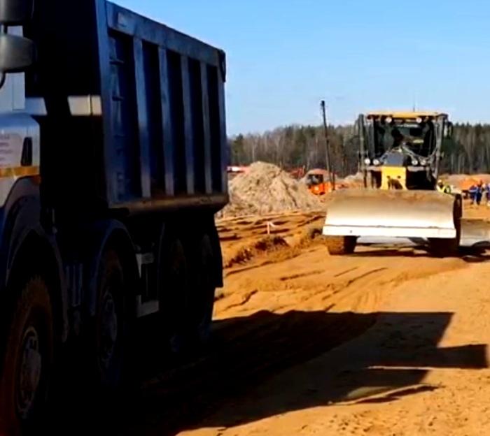 Перекрыто движение на Калужском шоссе в районе строительства инфекционного центра