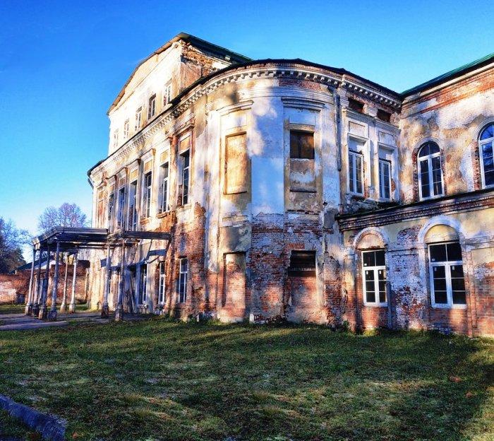 Мосгорнаследие обязало собственника усадьбы «Михайловское» в ТиНАО отреставрировать часовни и дом