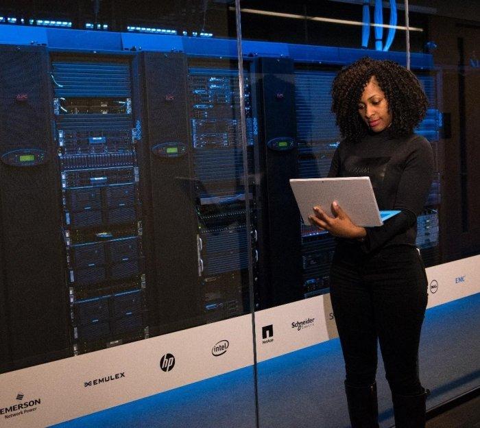 Серверы DL360 Gen9 и Gen8: какую модель выбрать для бизнеса?